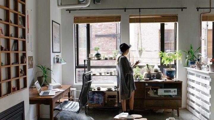 Des conseils pour aménager un bureau bien éclairé